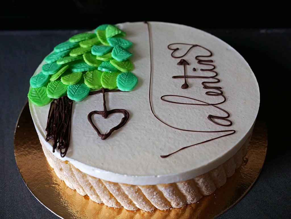 Entremets vanille - décoration pour le CAP, thème St Valentin