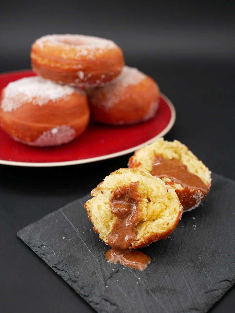 Exemple d'utilisation de la pâte à beignet : la boule fourrée au pralinée