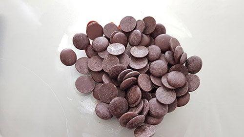 Ganache choco cerise - pré fondre le chocolat