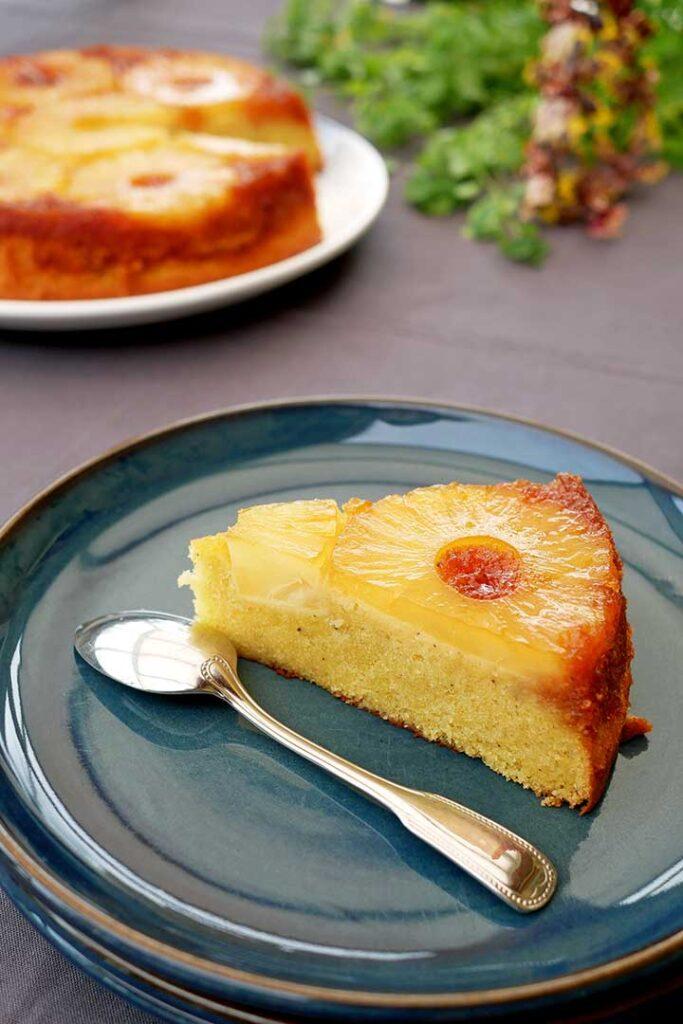 Gâteau ananas renversé une part hyper moelleuse